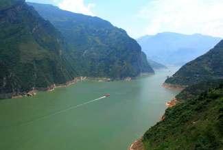 重庆市区、武隆天坑、地缝、大足石刻双卧五日游