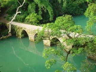 黄果树、天星桥、陡坡塘、水春河漂流双卧七日游