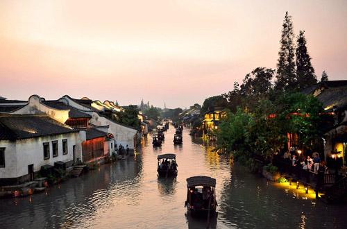 春节:苏沪杭无锡扬州+上海或迪士尼奇遇江南双飞六日(全陪团)