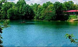 鸡公山南湾湖两日游